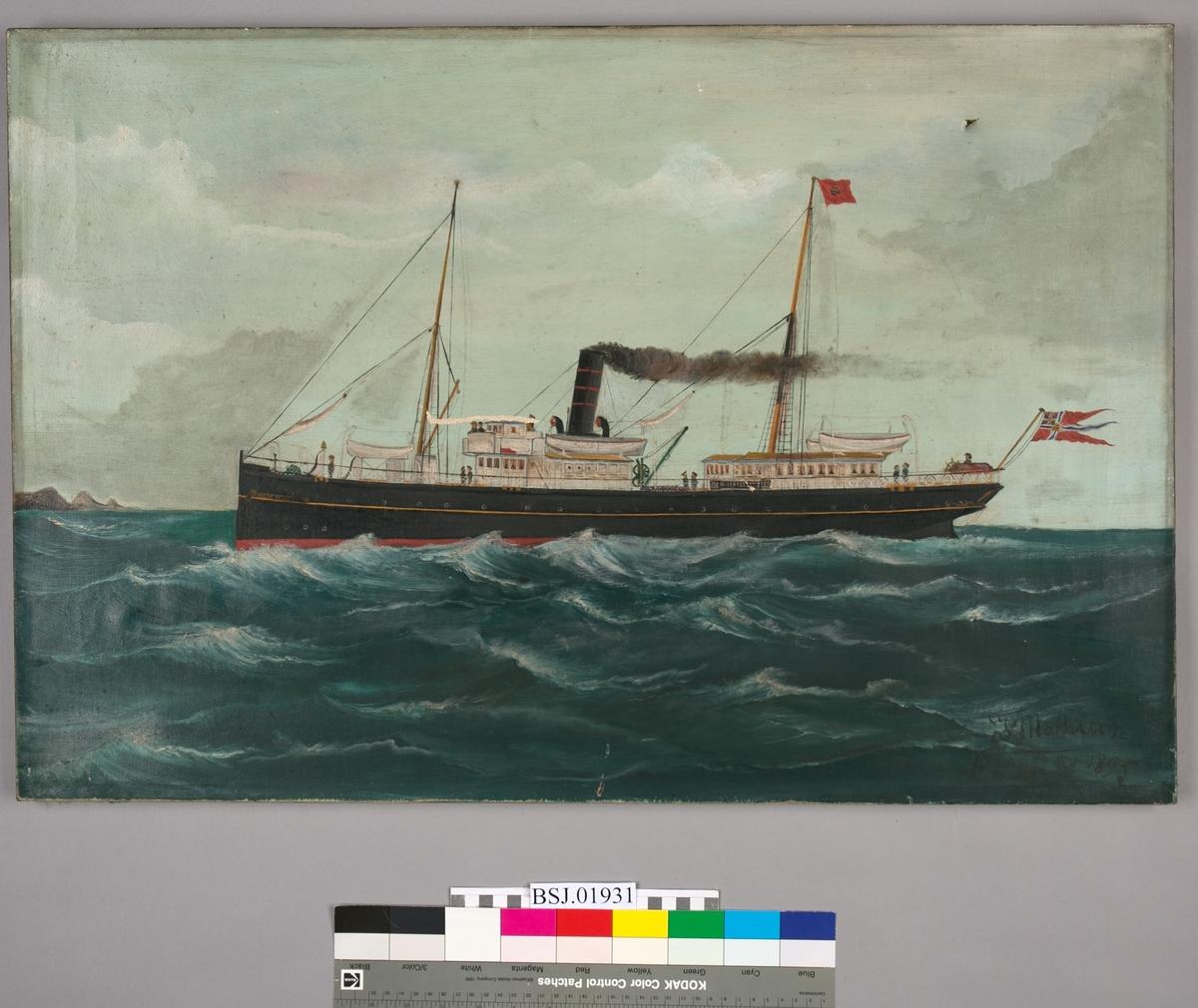 Skipsportrett av dampskipet KONG HAAKON under fart med unionsflagg akter.