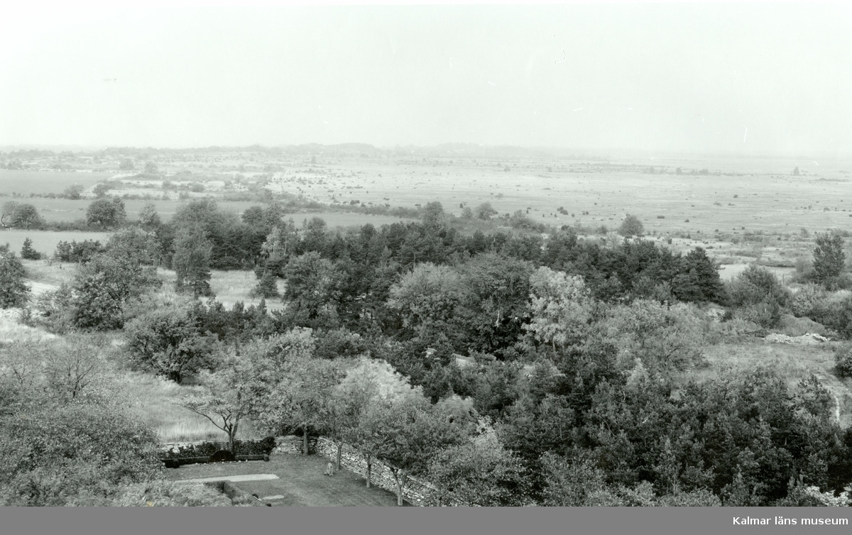 Utsikt från Resmo kyrka mot norr.