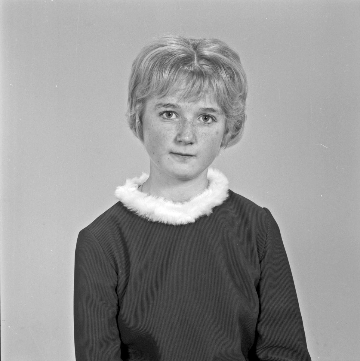 Portrett ung kvinne - bestiller Jorunn Nygård