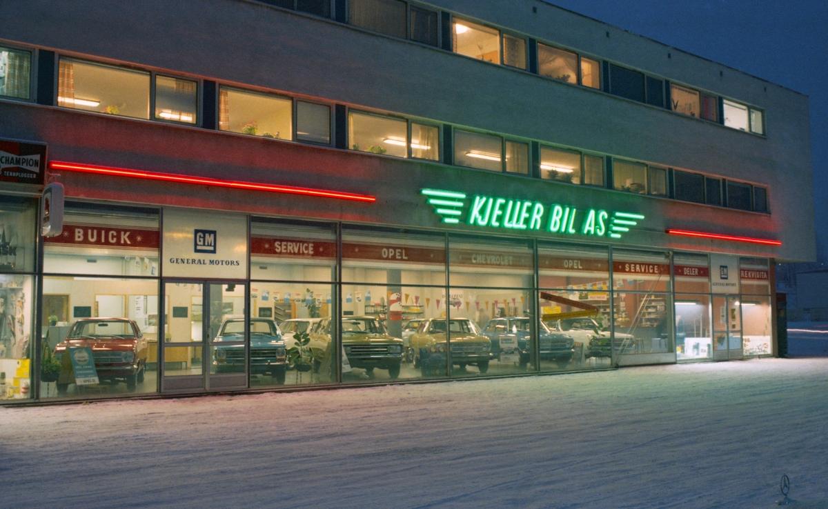 Fasade av bilforretning, Kjeller Bil AS