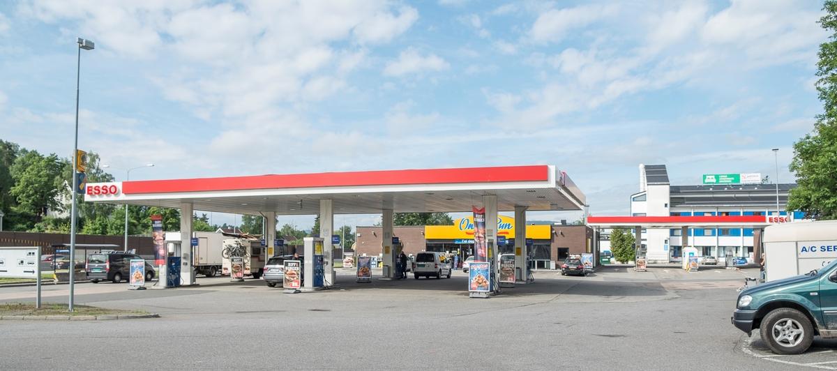 Esso bensinstasjon Drammensveien Ramstadsletta Høvik Bærum