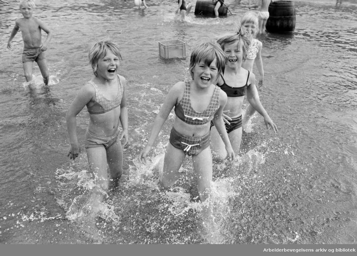 Torshovdalen park. Plaskedammen. Juli 1972