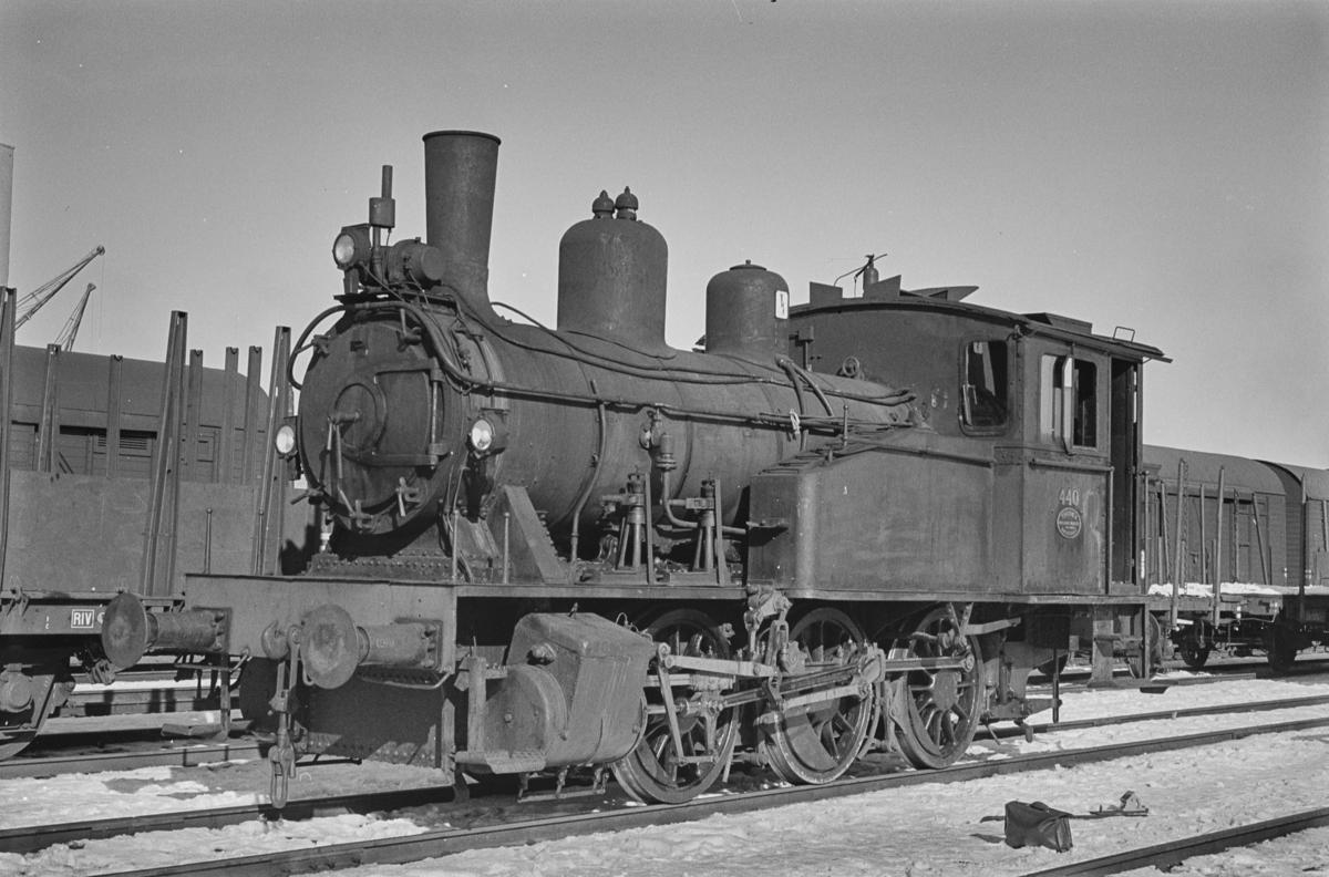 Damplokomotiv type 23b nr. 440 i skiftetjeneste på Trondheim stasjon.