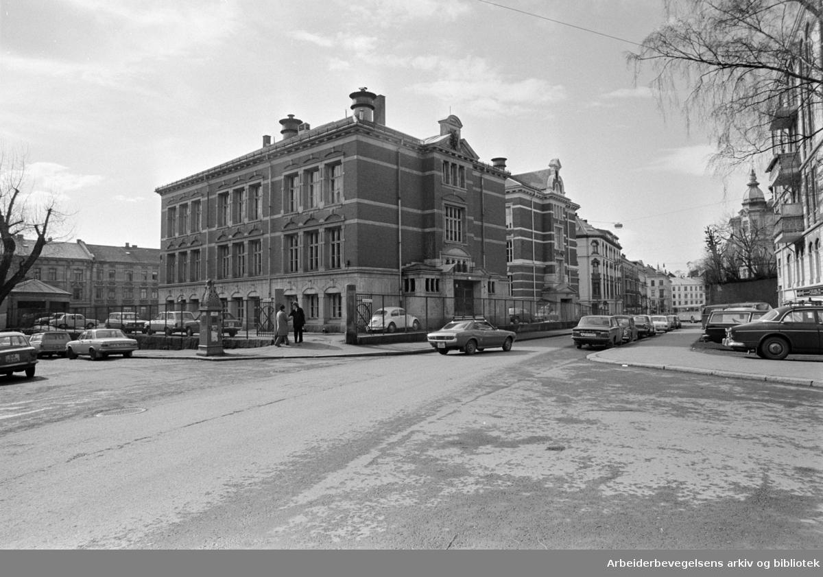 Vestheim skole. Forsøksgymnaset over til Vestheim skole. April 1976