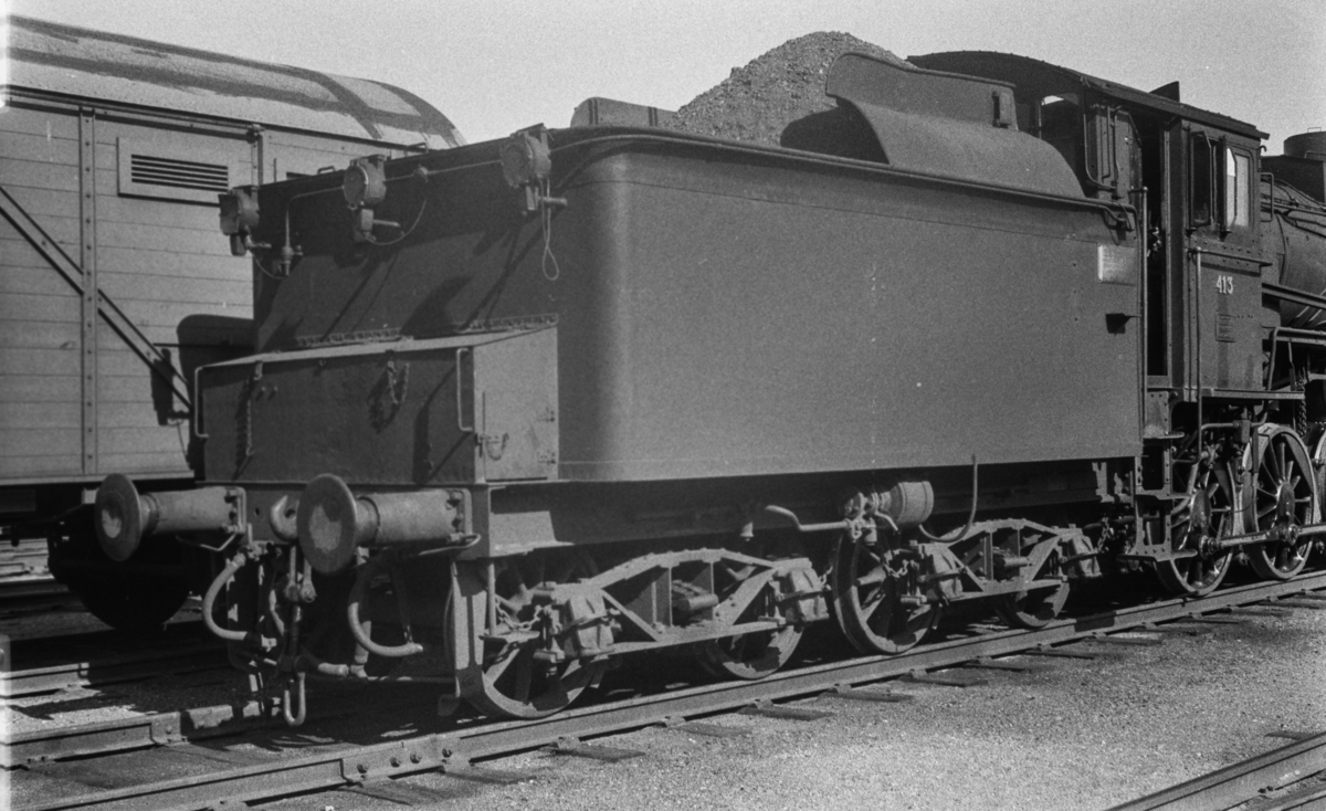 Damplokomotiv type 26c nr. 413  på Trondheim stasjon.