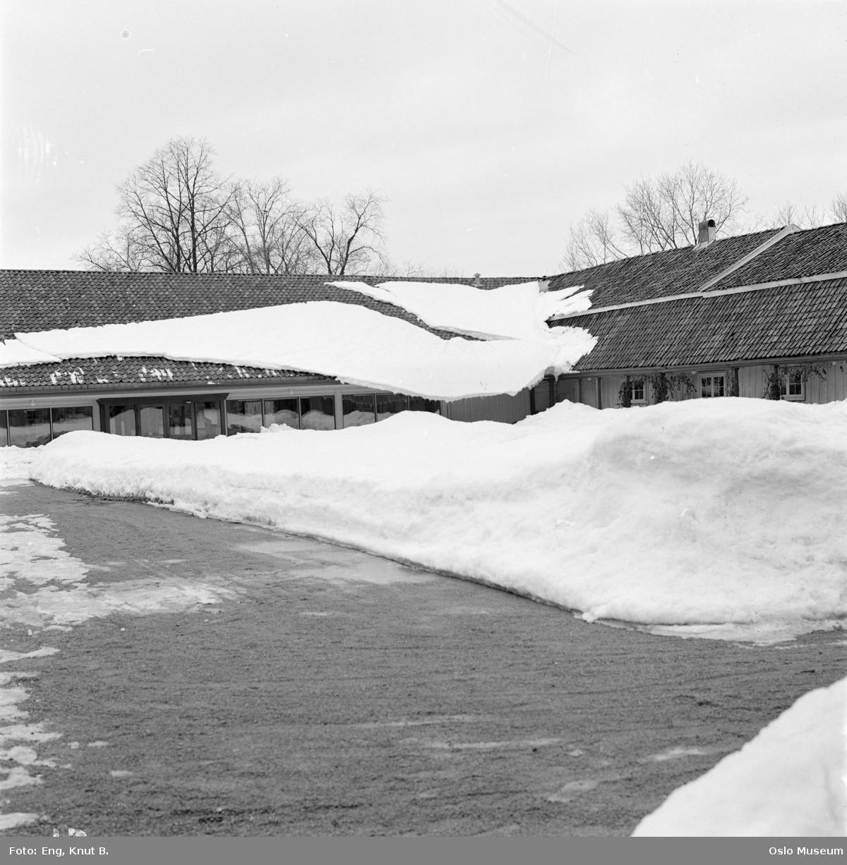 Frogner hovedgård, Oslo Bymuseum, gårdsplass, snøskavl