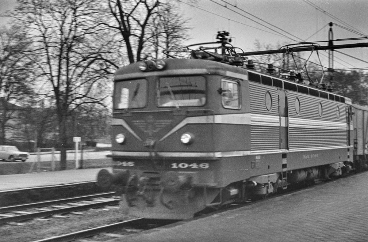 Svensk elektrisk lokomotiv type Rc 2 nr. 1046 i Ängelholm i Sverige.