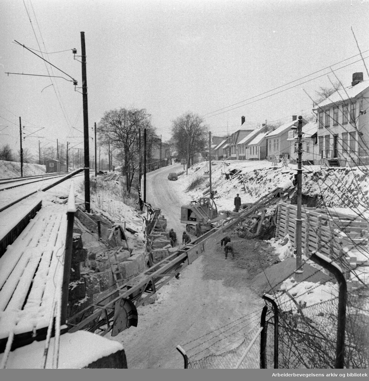 Enebakkveien utvides ved Vålerenga. Januar 1961
