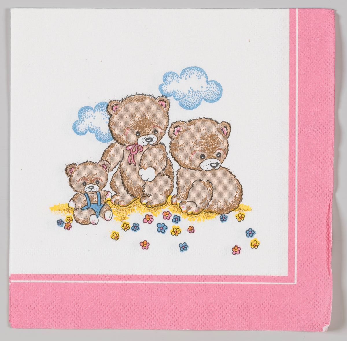 To voksne bamser og en liten bamse.