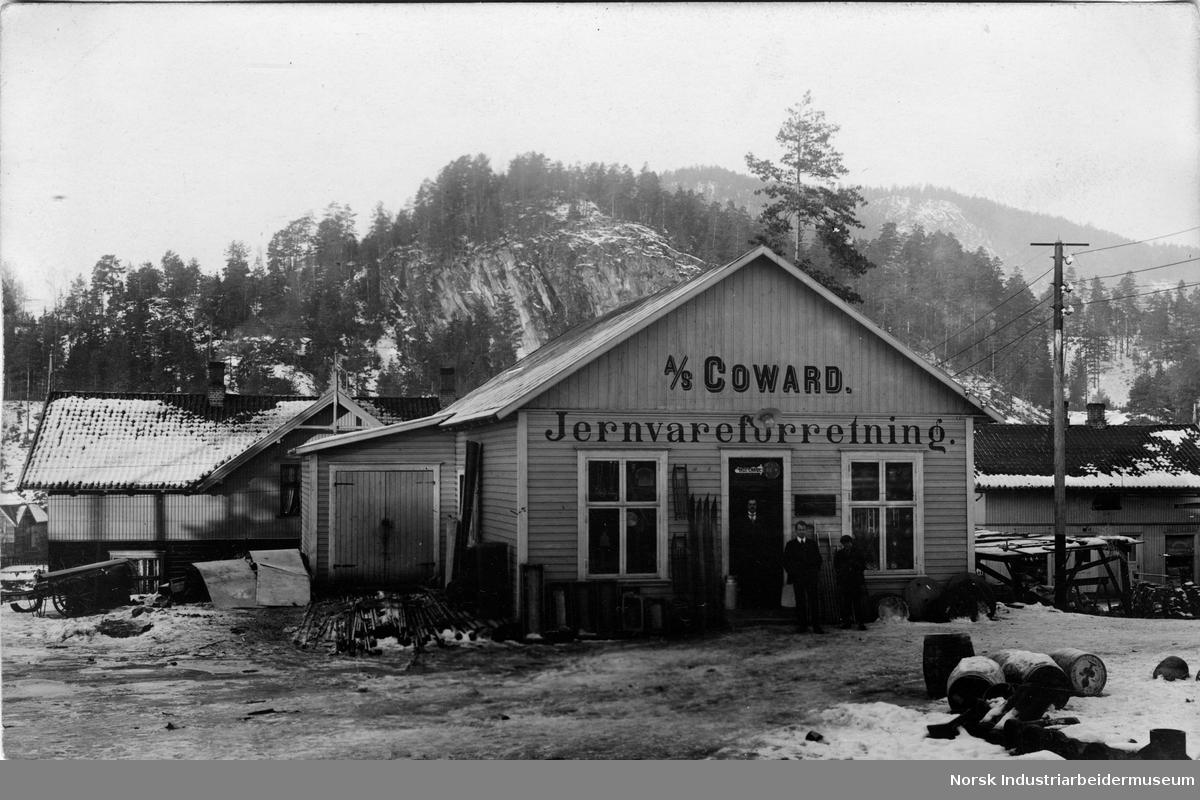 Utsalgssted Til A S Coward Jernvareforretning I Notodden Sentrum Norsk Industriarbeidermuseum Digitaltmuseum