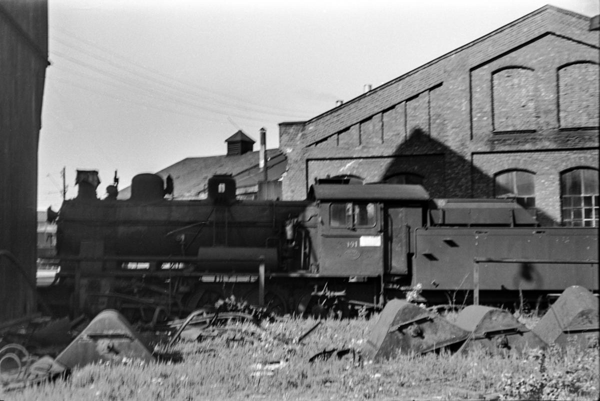 Utrangert damplokomotiv type 22a nr. 191 på Lillestrøm stasjon.