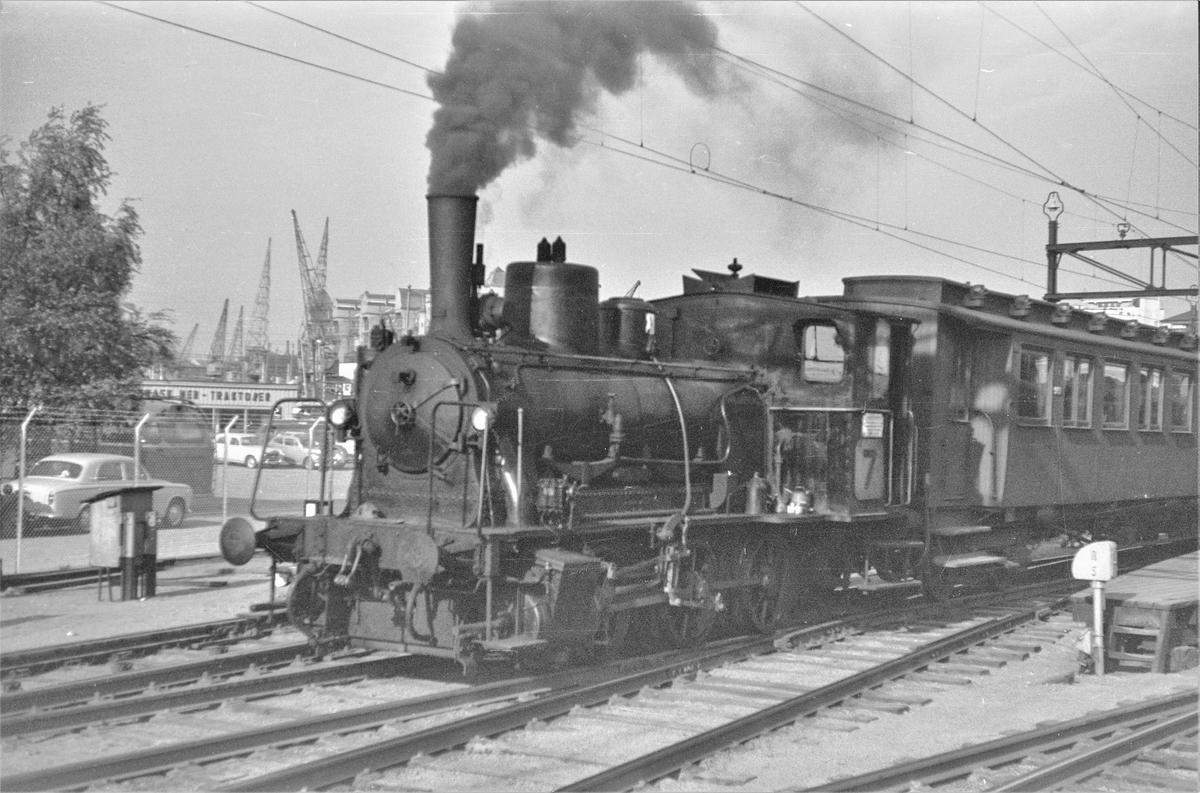 Damplokomotiv type 25e nr. 489 i skiftetjeneste på Oslo Østbanestasjon.
