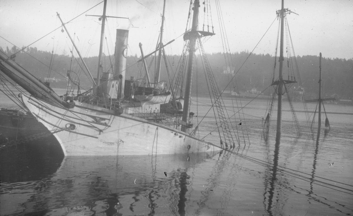 Baugen på jernbarken GLENSHEE. Hun sank 2. julaften 1922 ved Arendal.