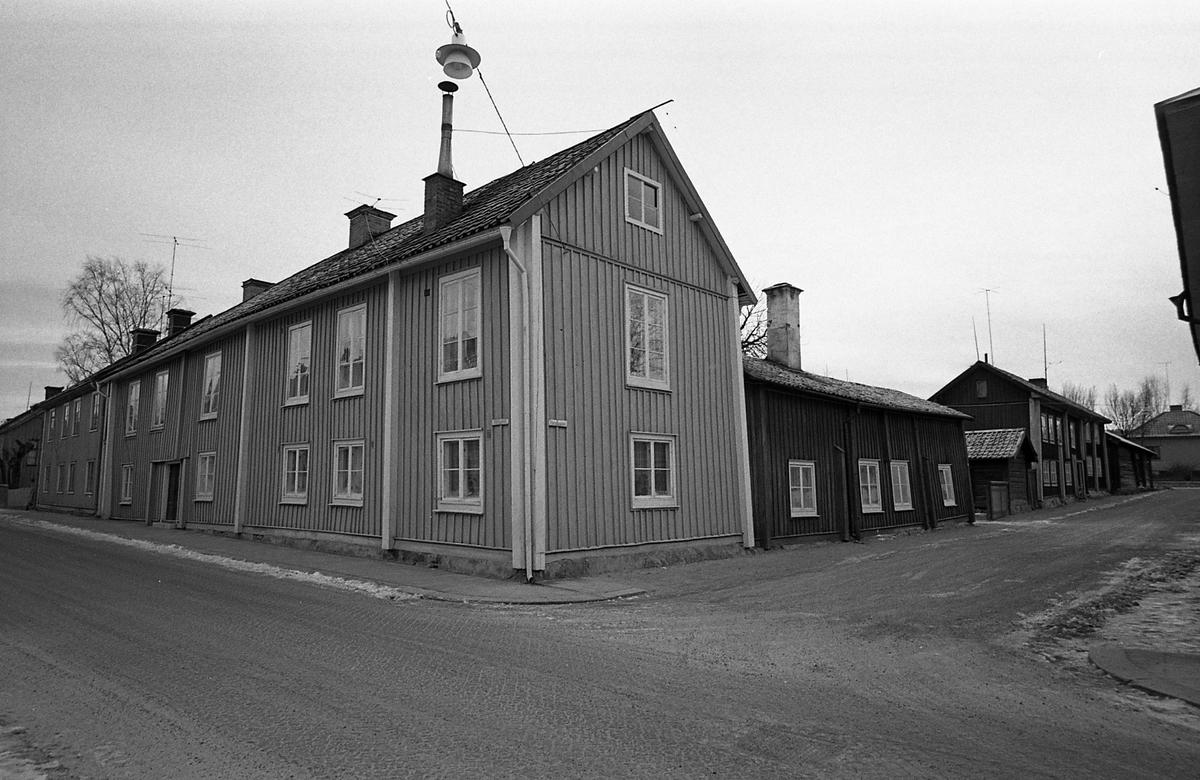 Kvarteret Tullnären, mellan Storgatan - Trädgårdsgatan och Herrgårdsgatan - Paradisgränd. Exteriör.