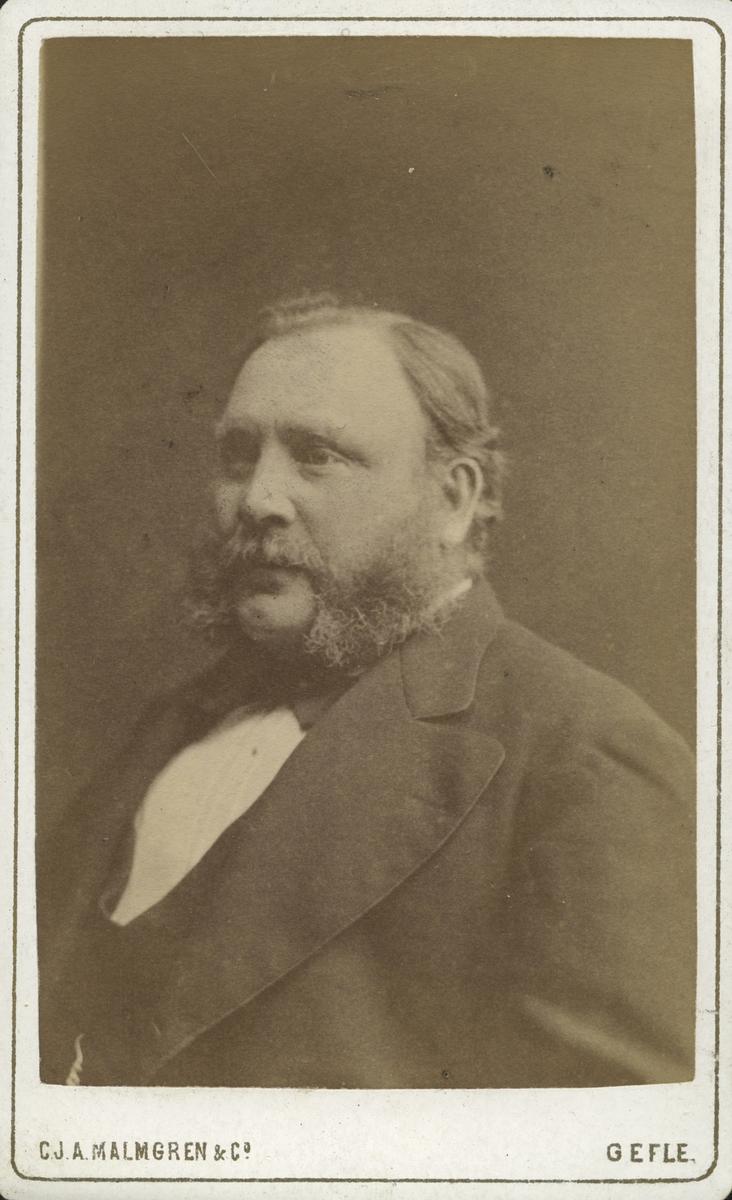 Målaremästare Jan Olof Ferdinand Broström.