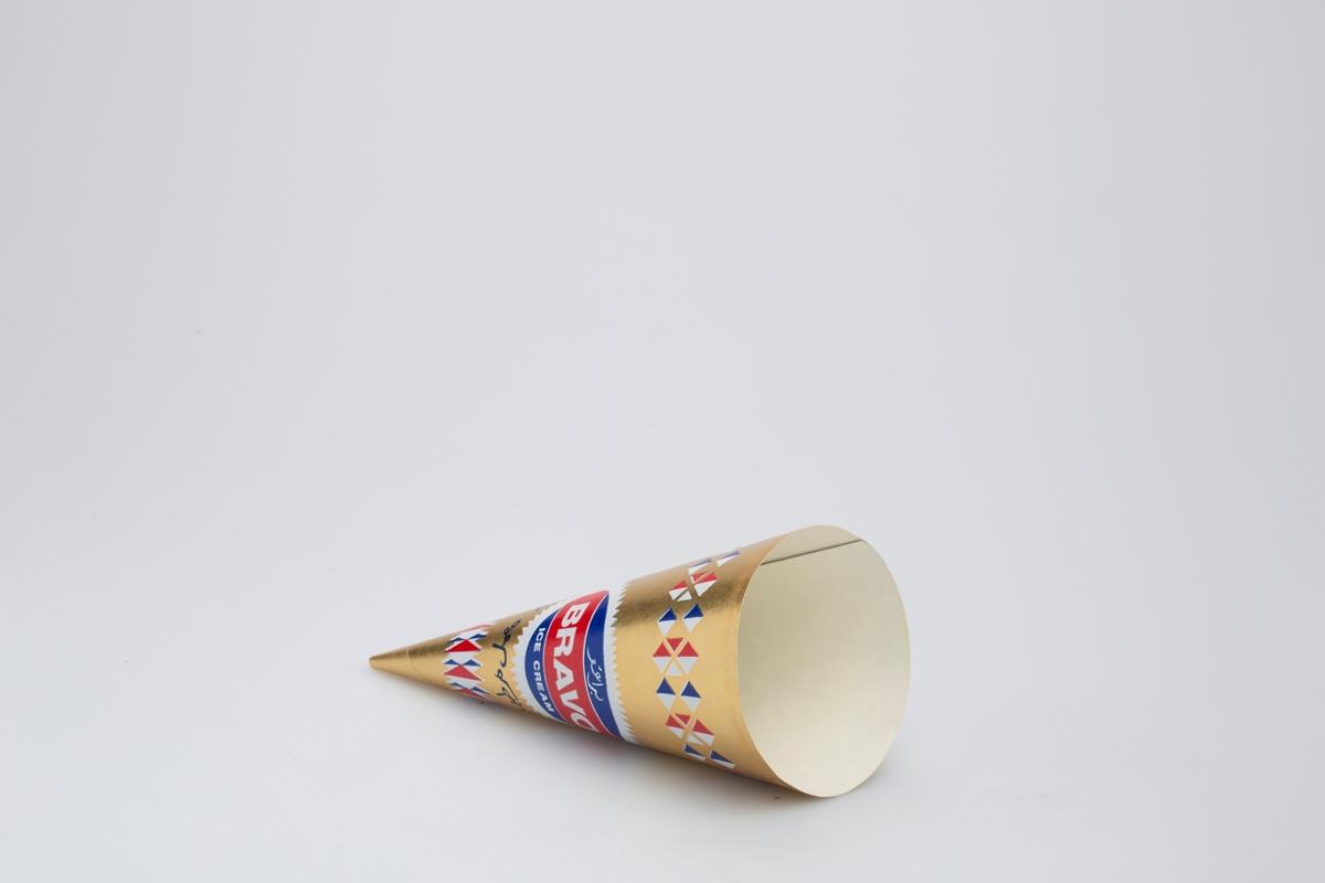 Kjegleformet iskrempapir (kremmerhus) i aluminium. Kremmerhuset er med farger på utsiden, og matt uten farge (hvit) på innsiden. Kremmerhuset har gullfarget bakgrunnsfarge, med røs, hvit og blå ruter øverst og nederst. Rund logo med tekst på midten av kremmerhuset. Deler av teksten er trolig på arabisk.
