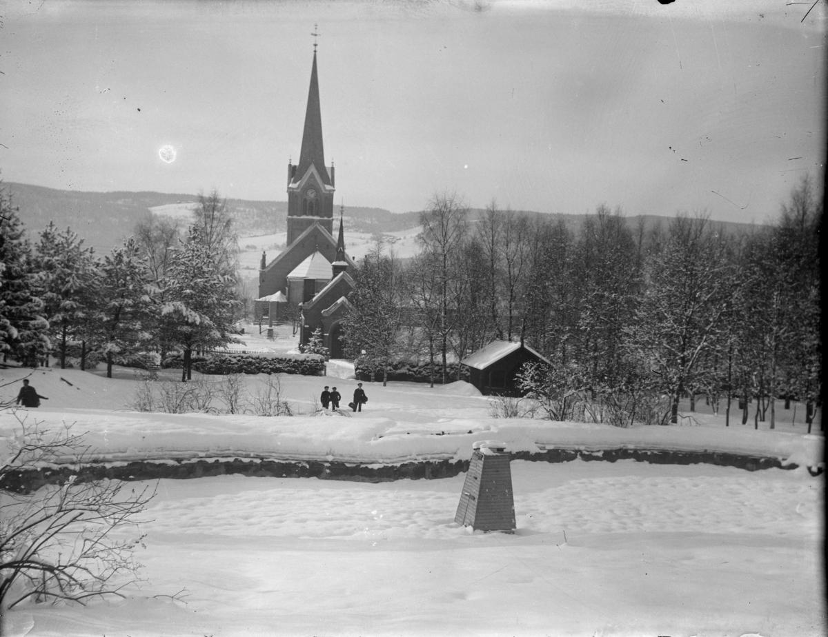 Søndre Park med Lillehammer kirke i bakgrunnen