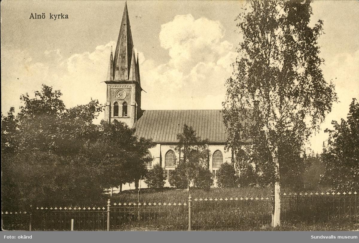 Vykort med motiv över kyrkan på Alnö.