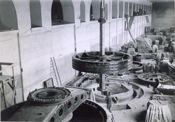 Solbergfoss kraftverk, interiør. Monteringsarbeid