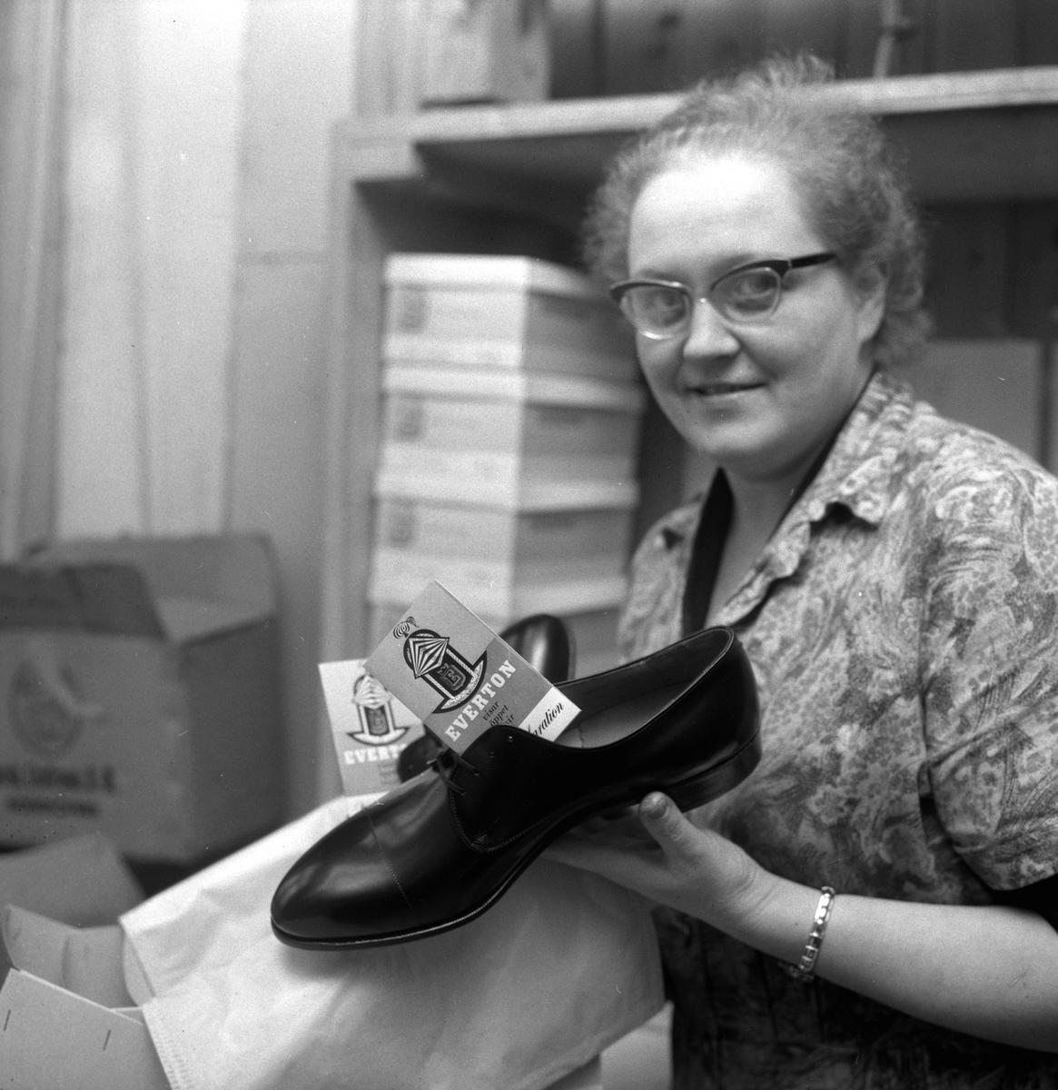 Varudeklaration om skor. 18 mars 1959.