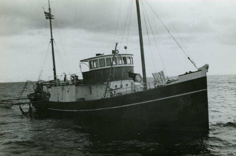 Fiskebåt på feltet