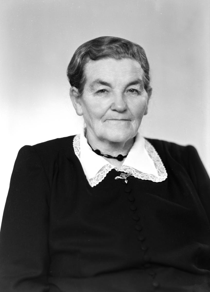 Portrett Anne Brændholen. BRÆNDHOLEN ANNE