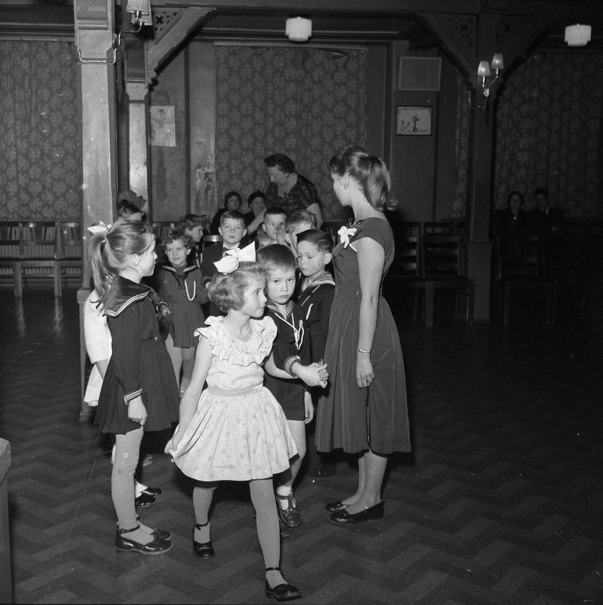 Ball hos Alma's Danseskole
