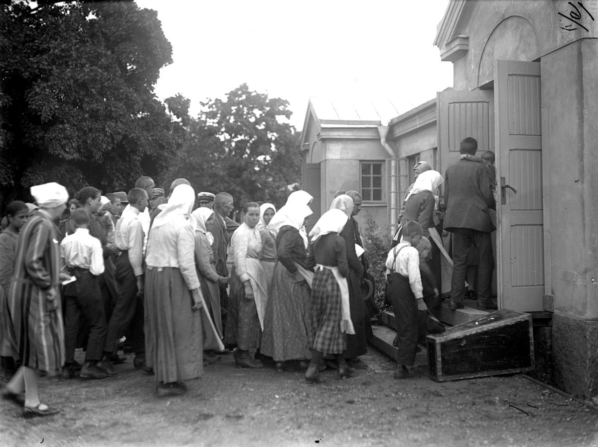 Svenskbybor på Ryhovs kasernområde i Jönköping 1929.