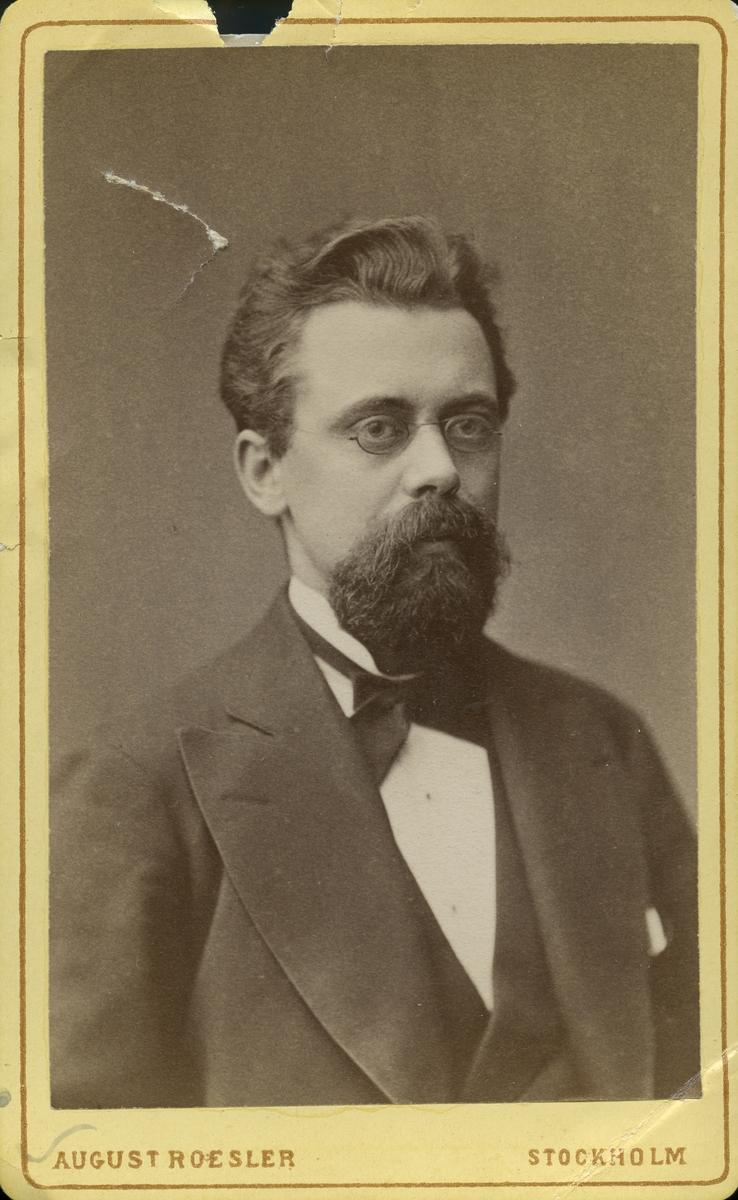 Apotekare Pettersson.