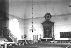 Interiör Huddunge kyrka.