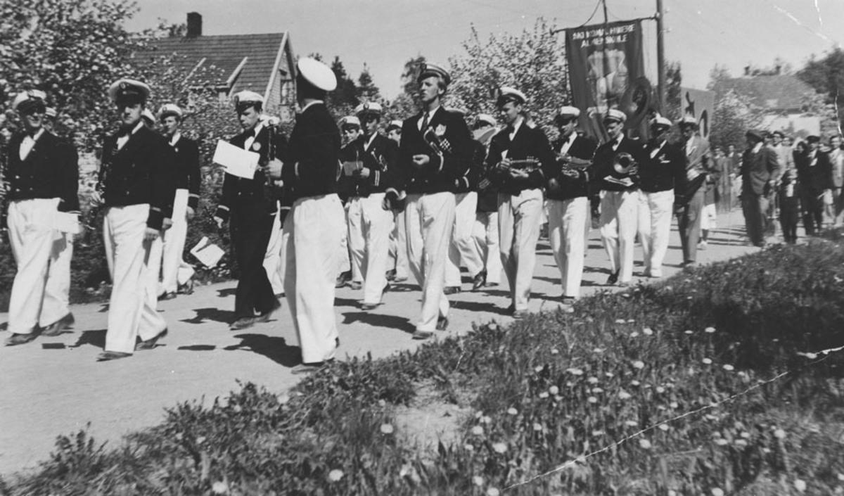 Ski ungdomskorps 17. mai 1945.