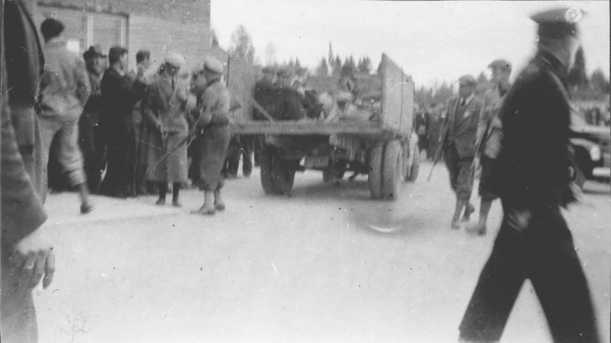 Arrestasjon av en magister. Oppsamling av fanger. Hjemmefront styrker 1945.
