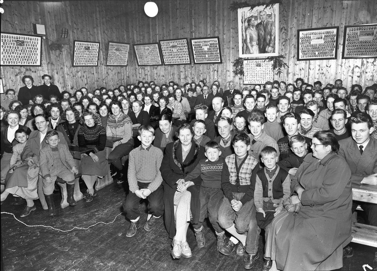 Forsamling på Bjerkely Ungdomsskole.