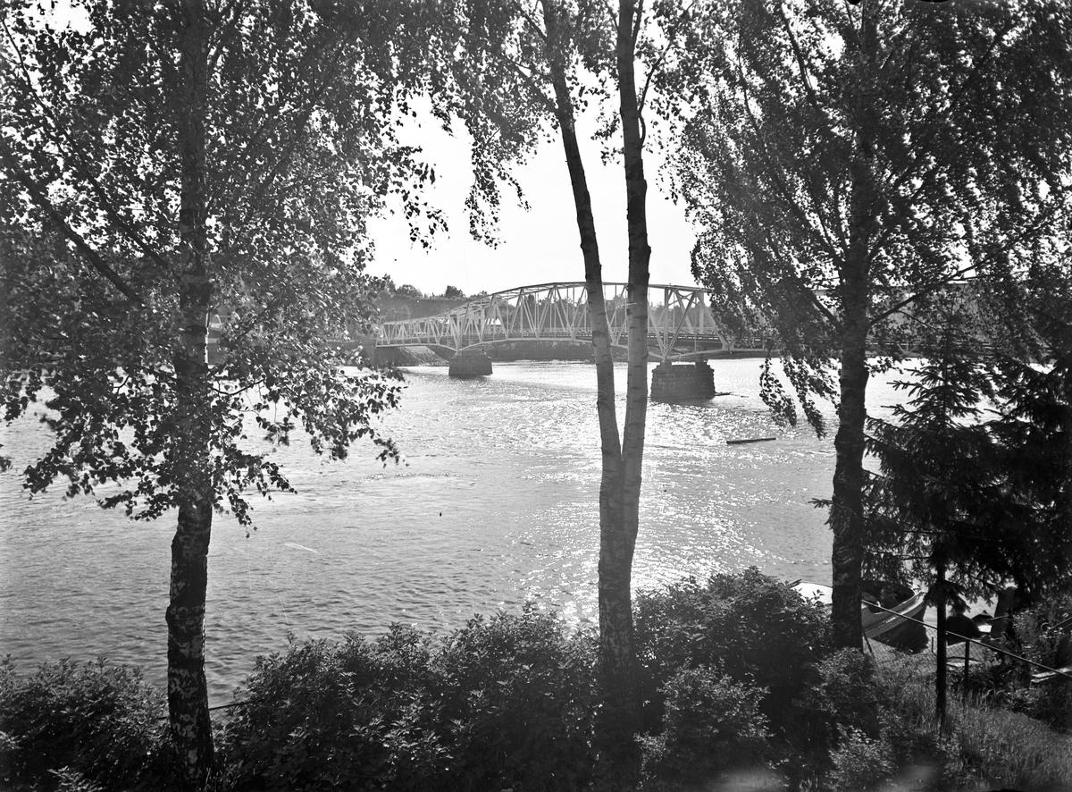 Sundbrua sett fra Sundet – Brandts hage.