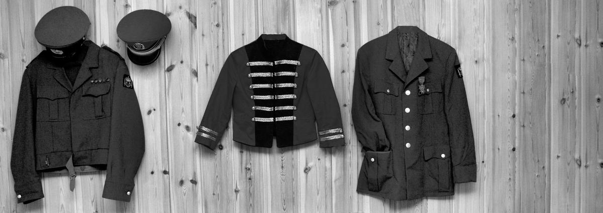 """Uniform - fra fotoutstillingen """"I blanke messingen"""" 2011"""