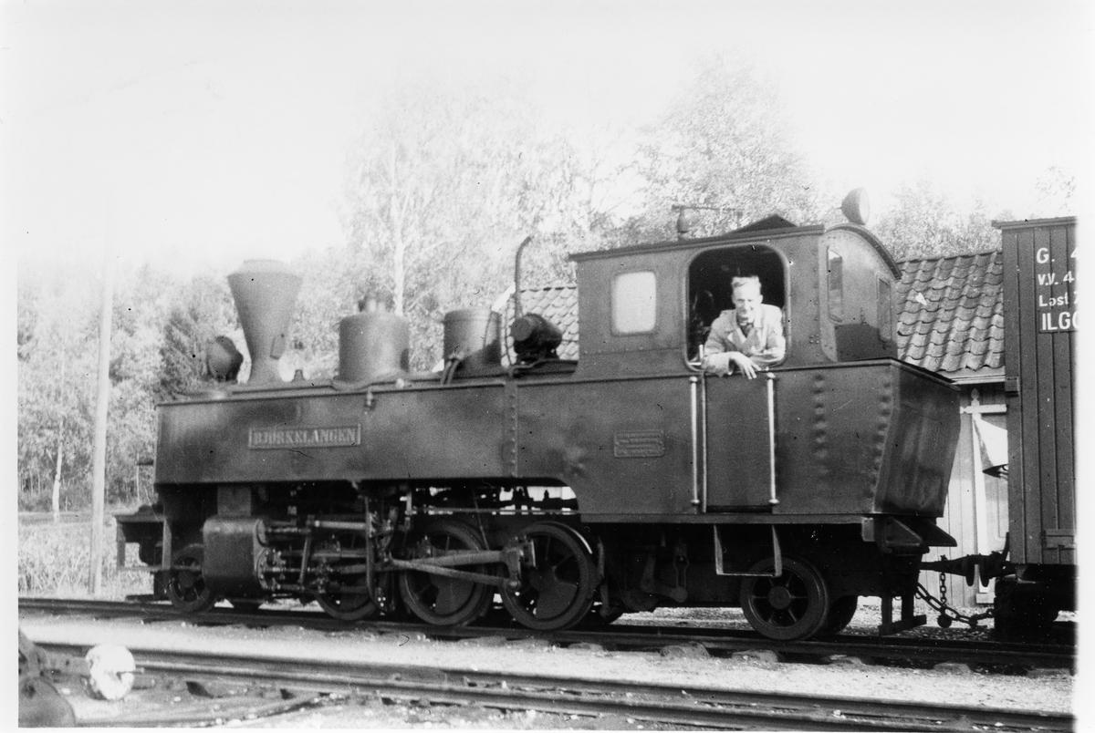 Ole Winther Laursen på lokomotivet.