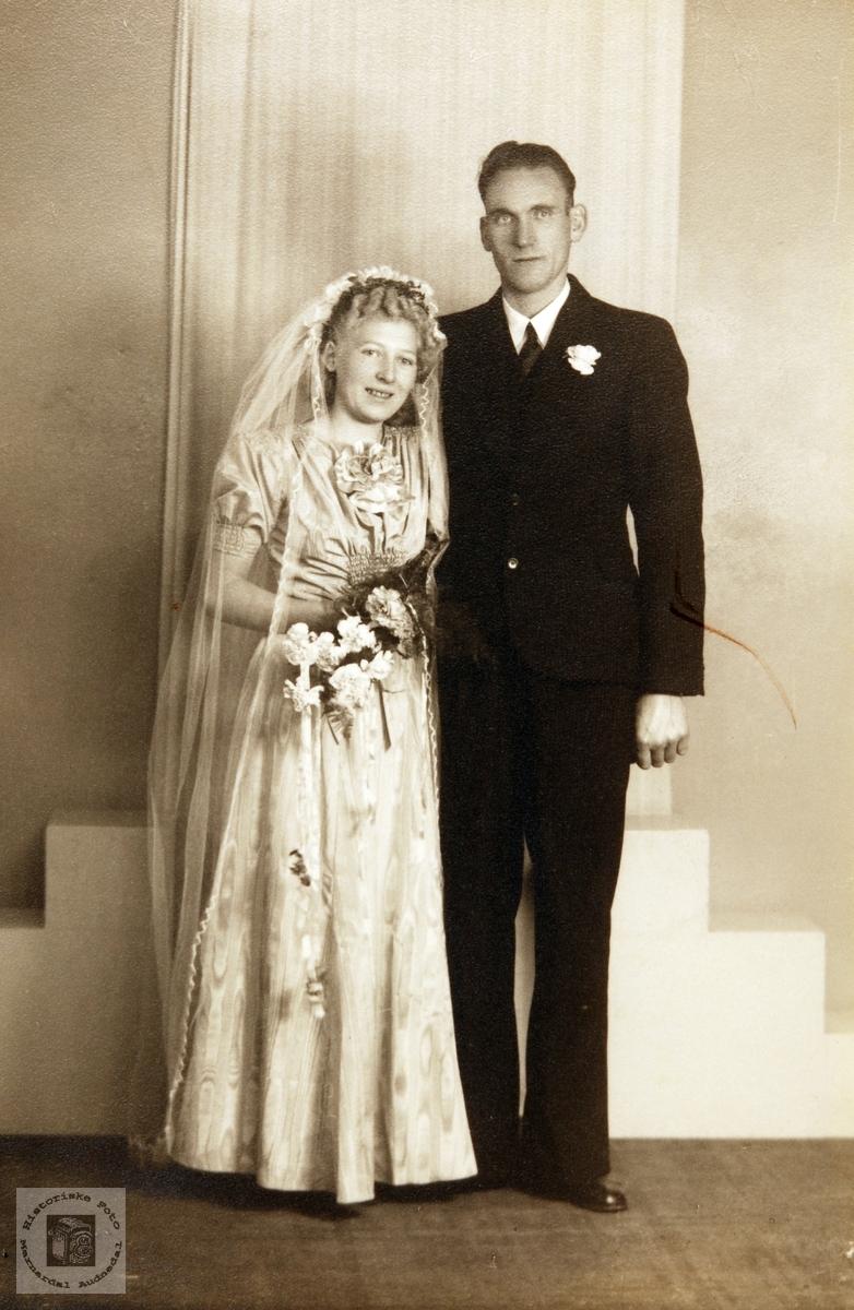 Brudeparet Gudrun og Olav Nordstrøm. Audnedal.