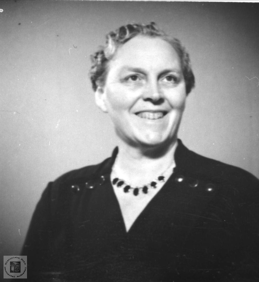 Portrett av Sigrid Sløgedal