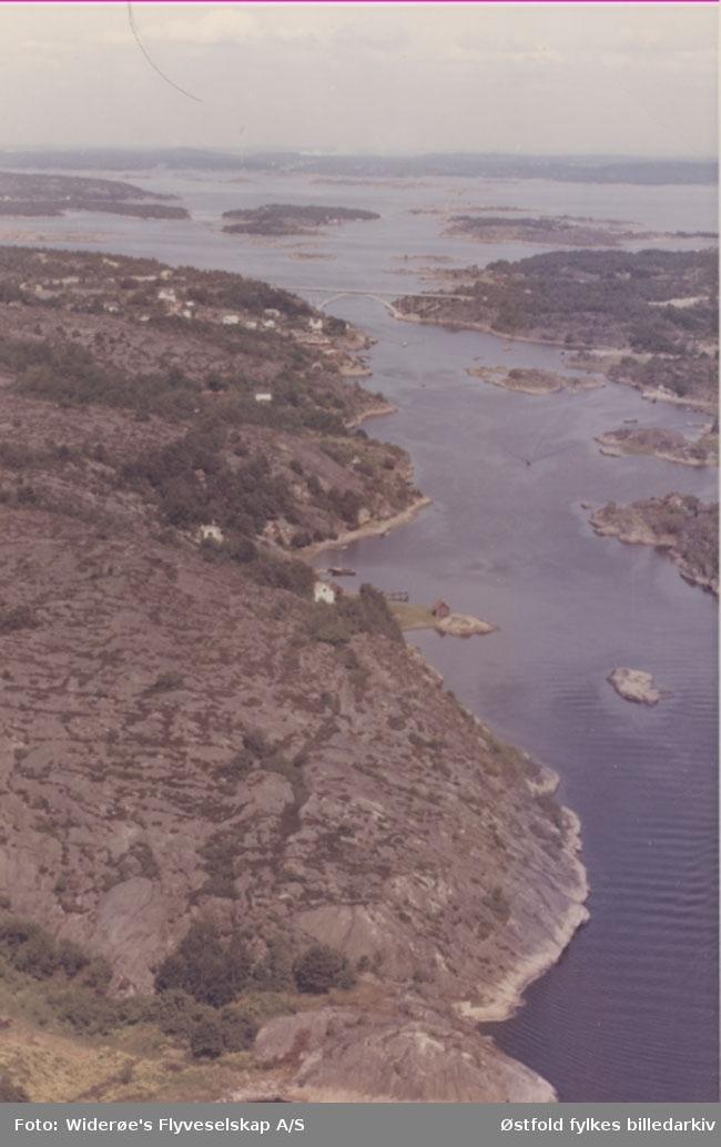 Oversiktsbilde av Skjelbusundet 1965. Skråfoto.