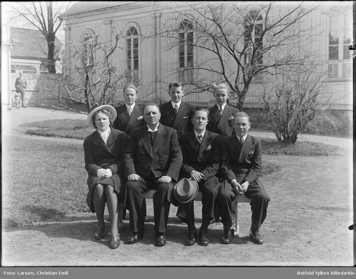 Metodistkirken i Sarpsborg 1940 - konfirmanter? Ukjente personer.
