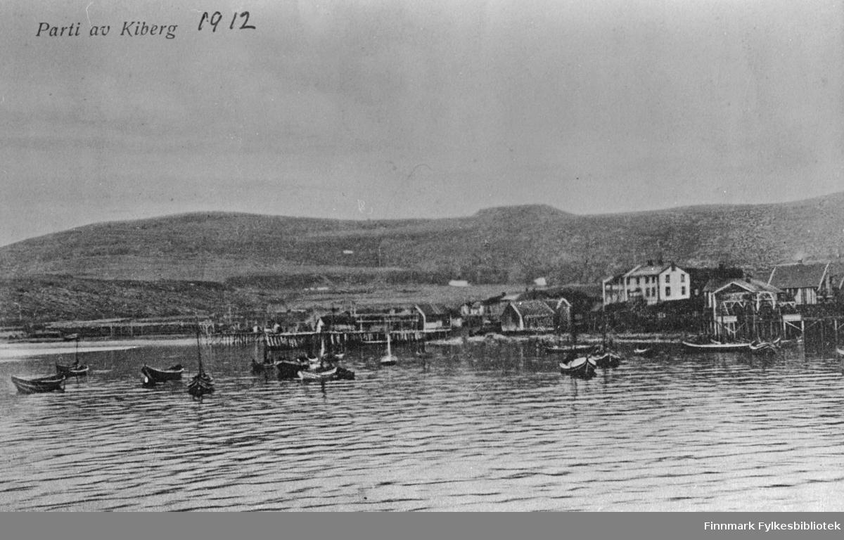På bildet sees deler av Kiberg og havna 1912.