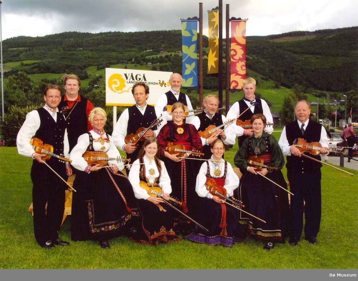 Spelemannslaget Bøheringen på Landskappleiken i Vågå 2002