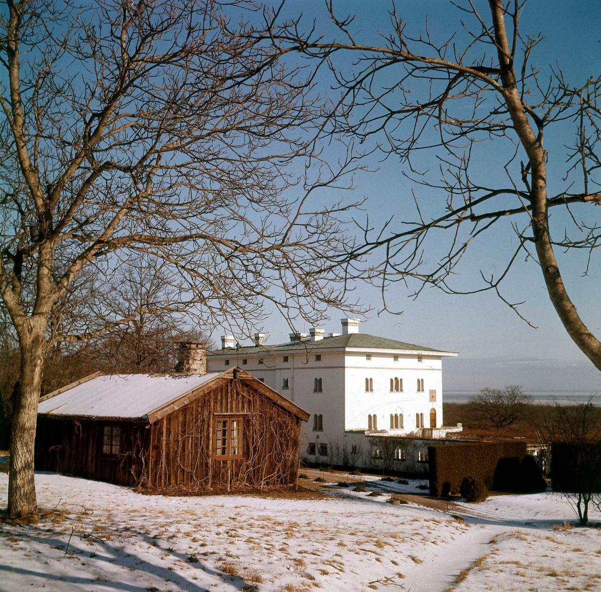 Solliden är en svensk slottsliknande villa på Öland. Den är svenska kungafamiljens sommarbostad och kung Carl XVI Gustafs privata egendom. Solliden är belägen i Räpplinge socken, nära Borgholms slottsruin och stod färdigt 1906.
