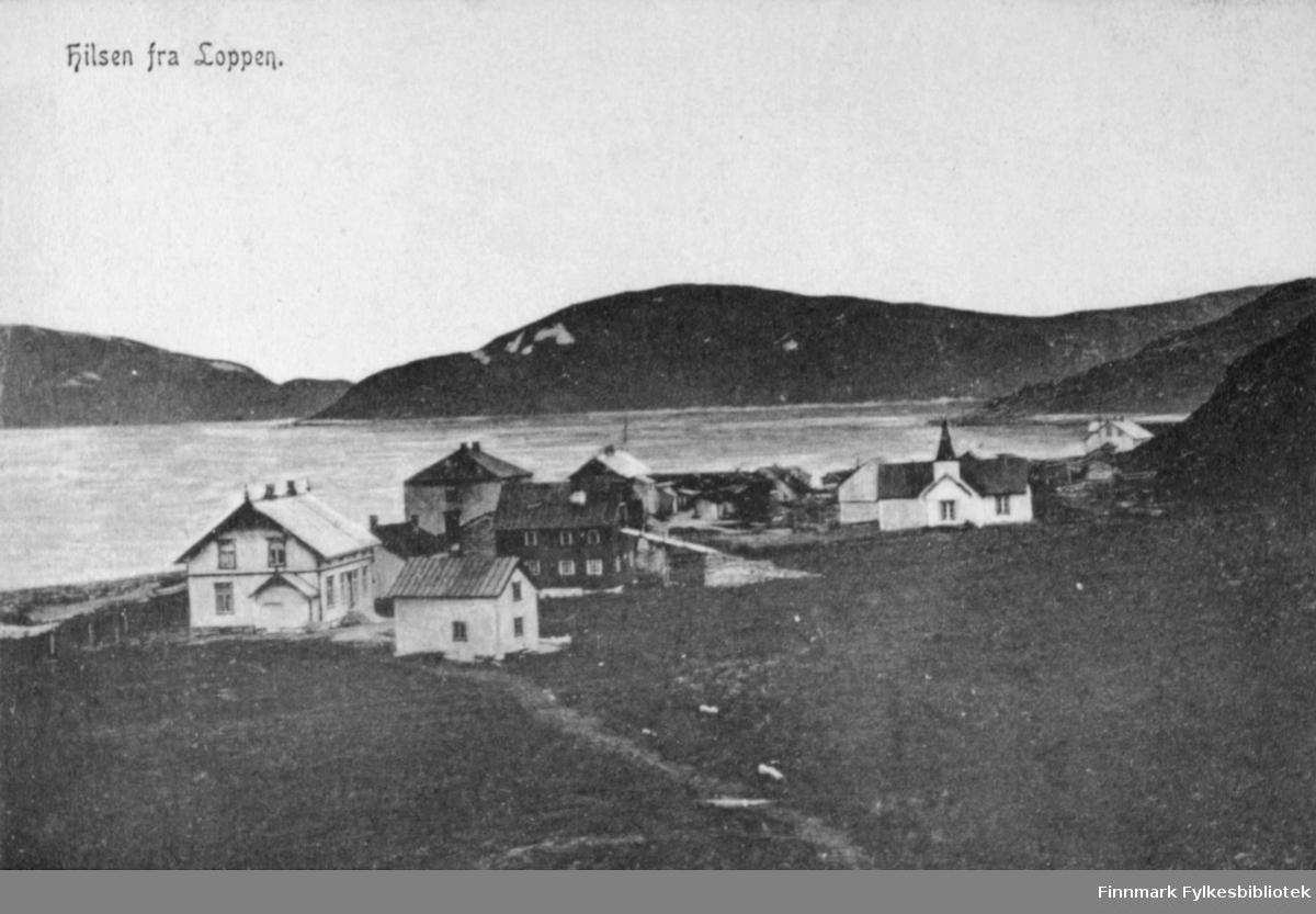 """Postkort med trykt tekst: """"Hilsen fra Loppen"""".  Loppa kirkested 1903."""