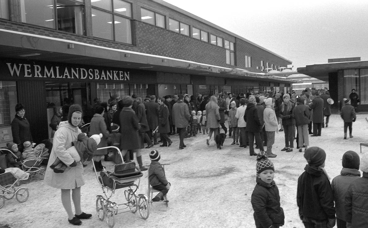 Våxnäs centrum invigs 1968-11-21