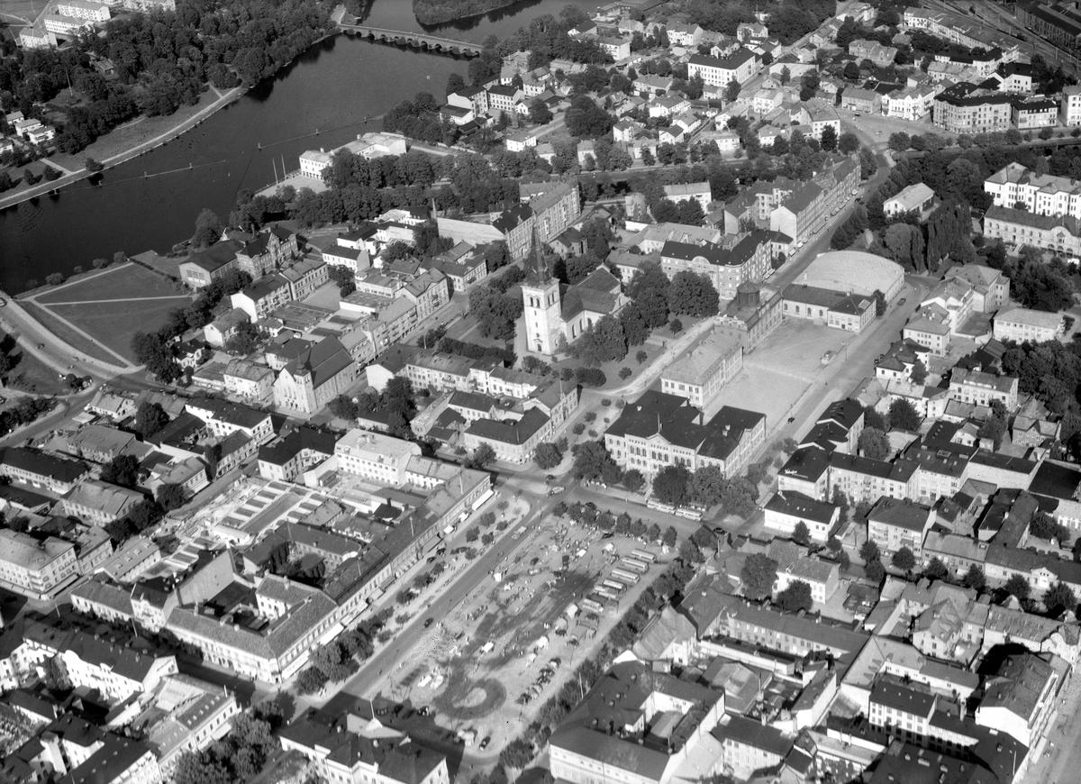Vy över centrum på en bild tagen 1950.