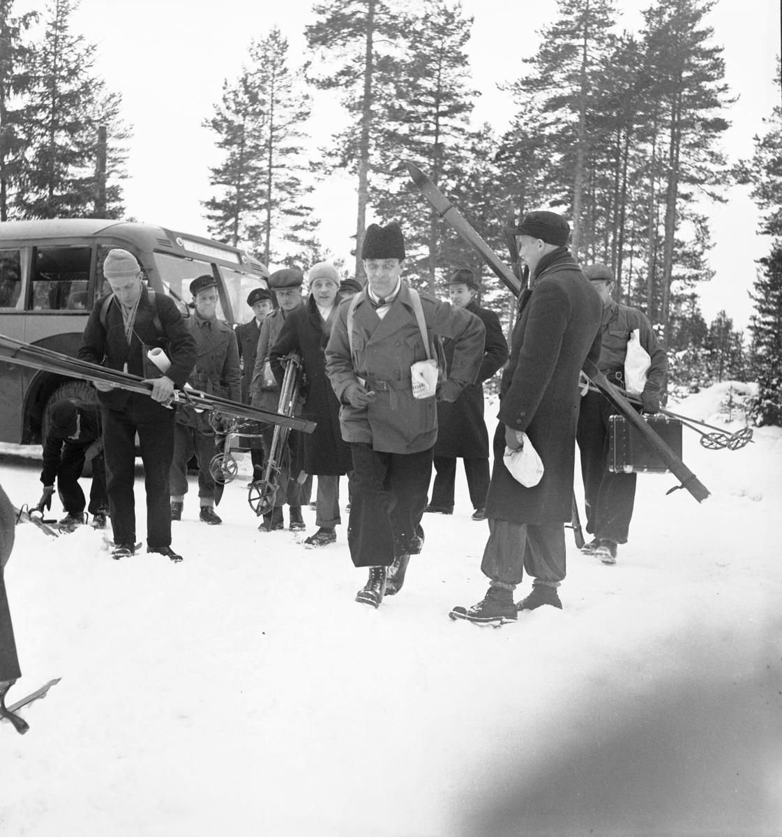 Reportage för Gefle Dagblad. Skidtävling. Distriktmästerskap och 3 milen. År 1936