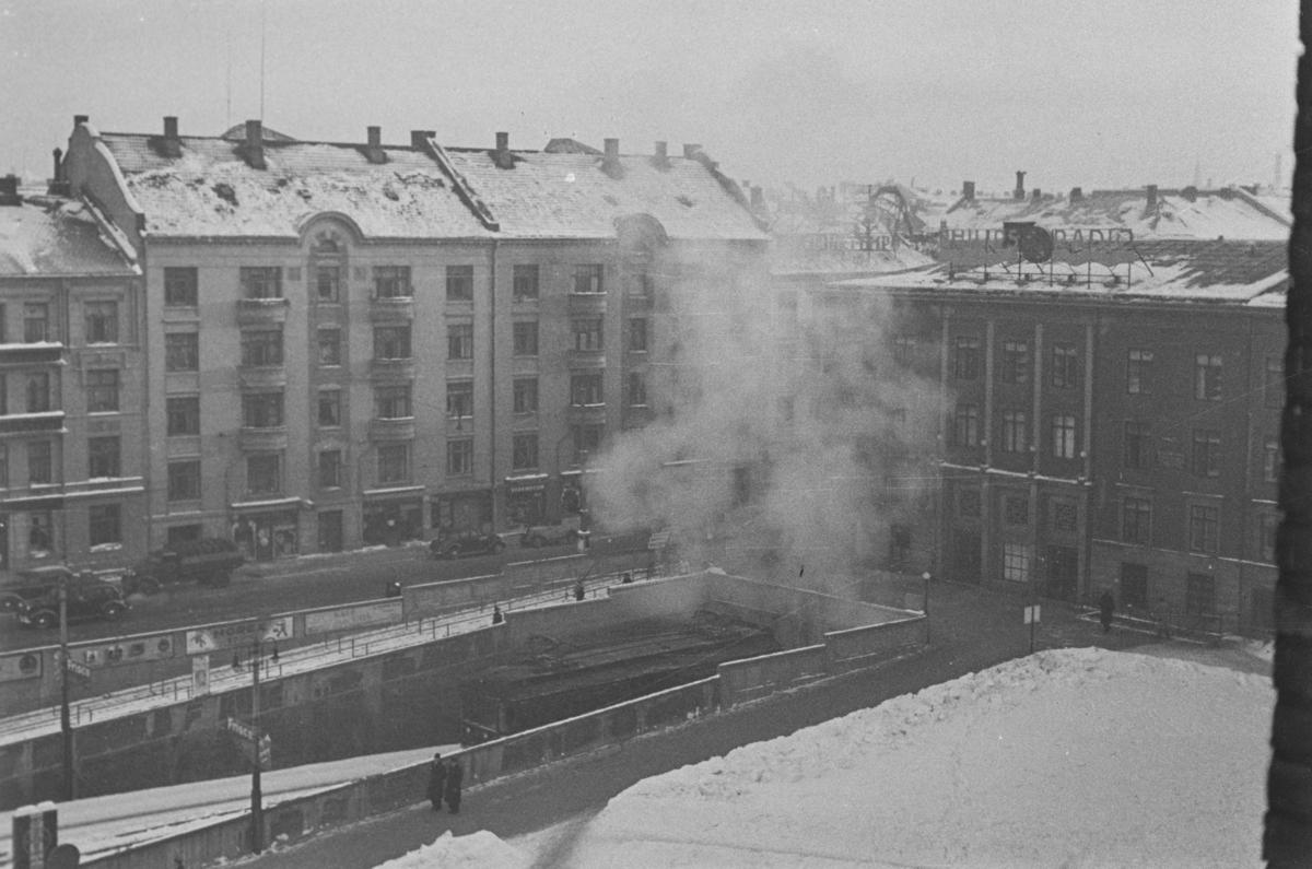Utsikt over Majorstuen stasjon. Det damper fra tunnelen pga. sterk kulde.