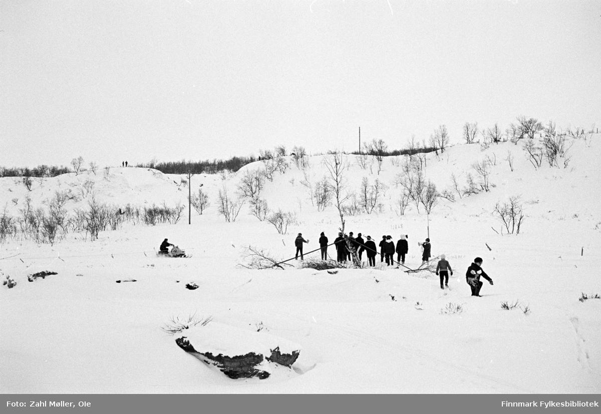 Mars 1969. Nuorgam, Finland. Snescooterløp.