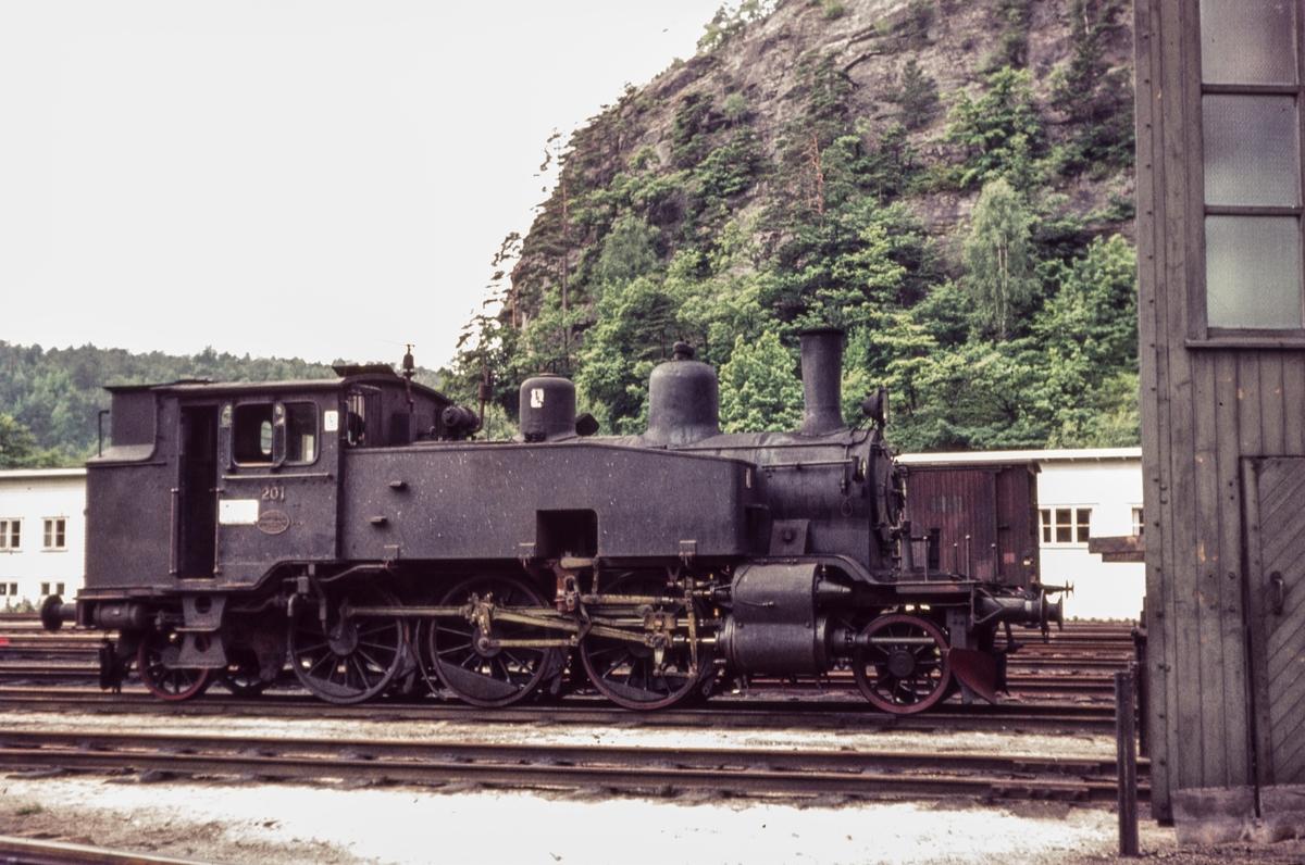 Damplokomotiv type 20b nr. 201 på NSBs verksted Krossen ved Kristiansand.